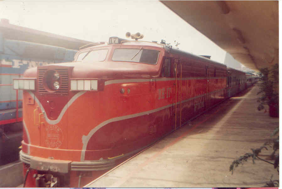 DH 17 fnm dayligh5t type paint mexico city in a special train 1996